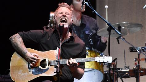 Metallica to Release Live Acoustic Double Album for