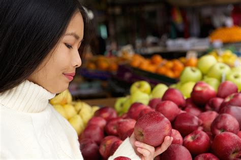 How dietary factors influence disease risk   National