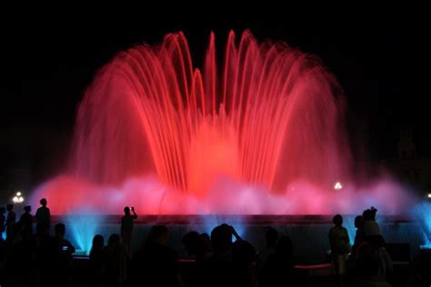 36 of the Most Beautiful Fountains from around the World