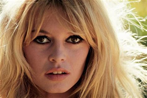 30 Famous Stars From The 60s - Where Are They Now