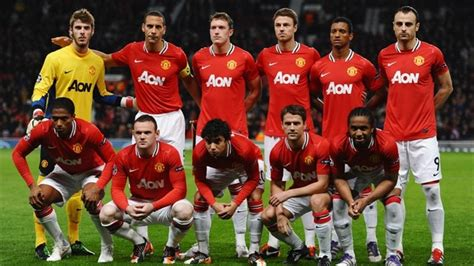 Manchester United FC players line up – UEFA