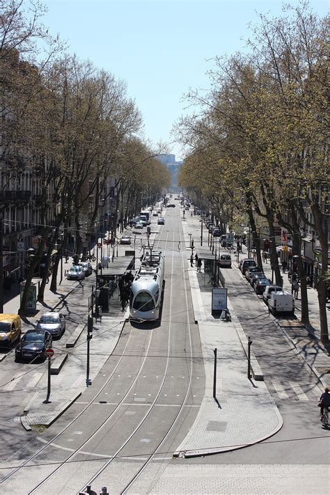 Cours Charlemagne — Wikipédia