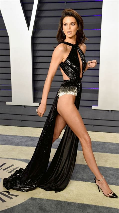 Kendall Jenner Rocks Most Daring Look Yet at Oscars After