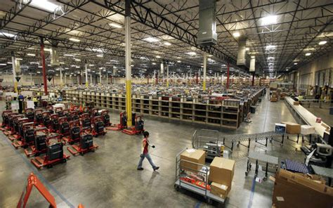 Amazon hiring for more than 5,000 full-time warehouse jobs